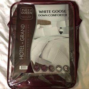 Other - Goose Down Comforter | Full/Queen
